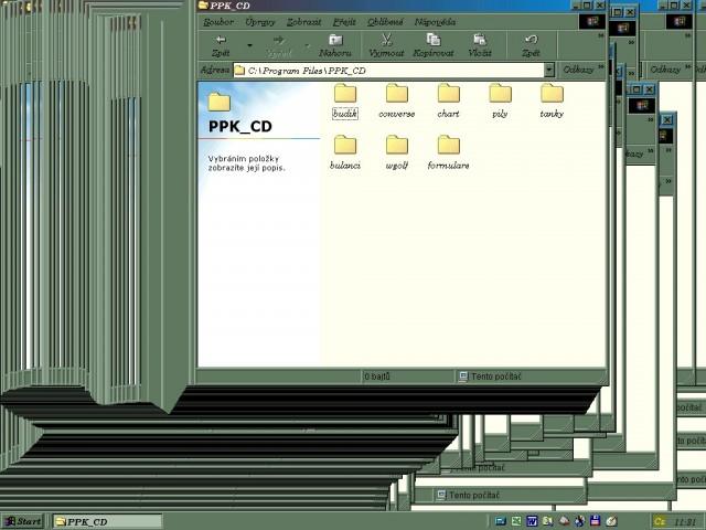 Iluze tisíců otevřených oken na Ploše zmatených Windows 98