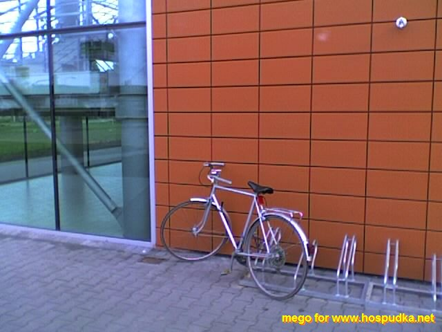 kolo před kauflandem, připraveno na naložení